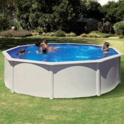 This pool was the type Dave had in his backyard.