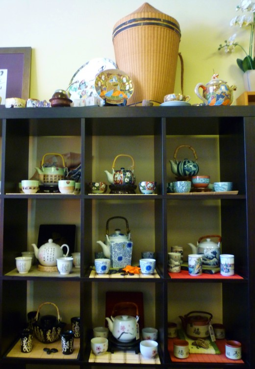 Many teapot sets add to the décor.