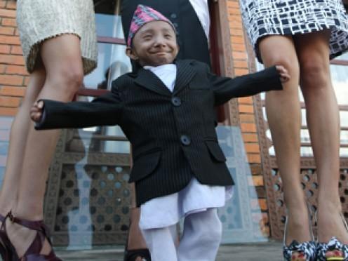 The wolrd's shortest man, Khagendra Thapa Magar