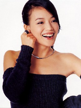 Shu Qi enjoying the photo shoot