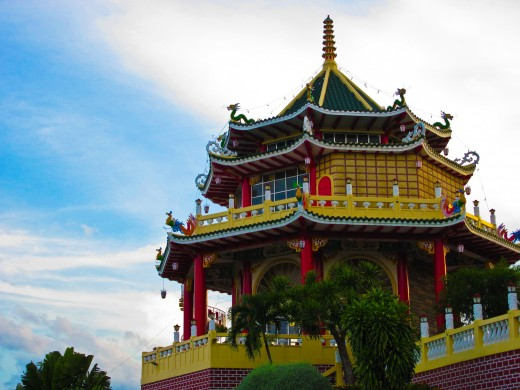 The temple provides a breath-taking view of the whole City Area and beyond. There are some 81 steps representing the 81 chapters of the Taoism scriptures. On reaching the top you can light joss sticks and have your fortune read.