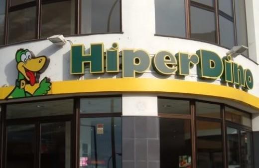 HiperDino supermarket in Icod de los Vinos