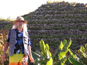 Bard of Ely by the pyramid in Camino de la Suerte, Tenerife. Photo by Colin Kirby