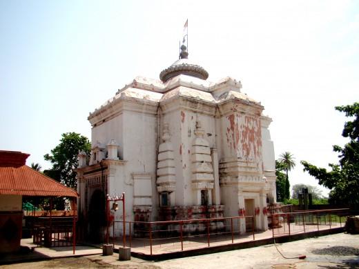 The main temple of Ekteswar