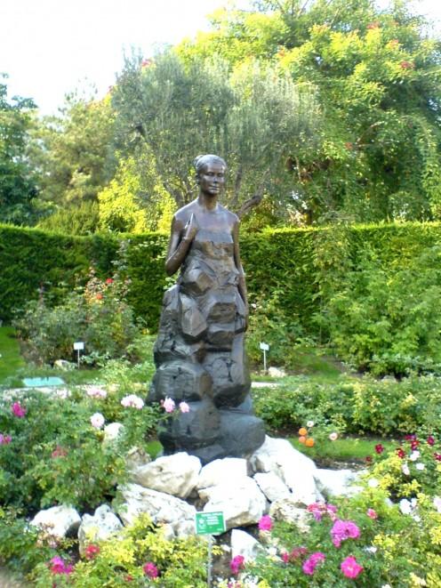 The Princess Grace rose garden, Monaco