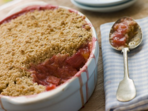 Rhubarb Crumble. Image:  Monkey Business Images|Shutterstock.com