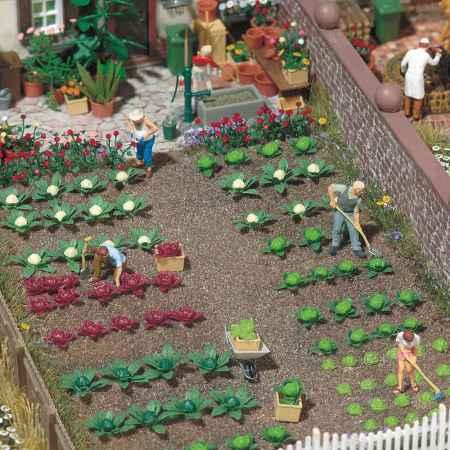 HO scale garden