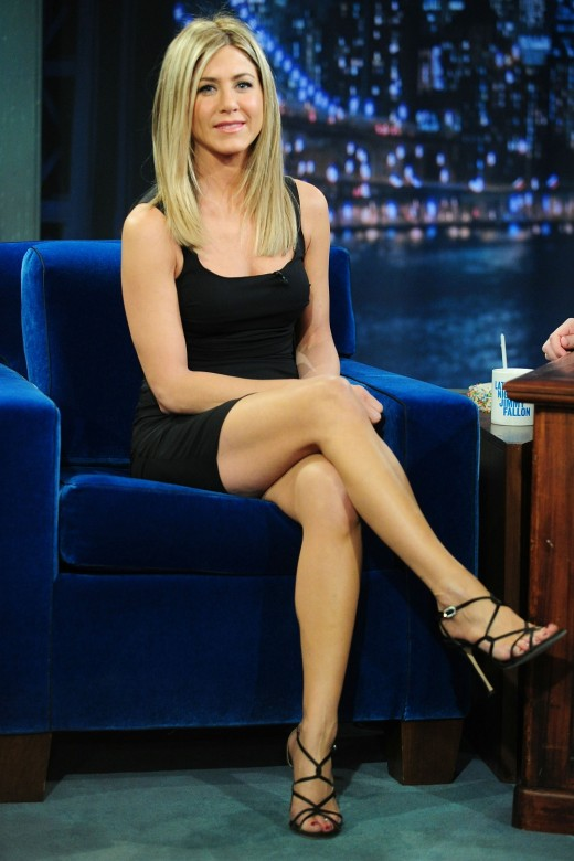 Jennifer Aniston crossed legs on Fallon
