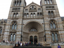 The entrance of the Natural History Museum, South Kensington.