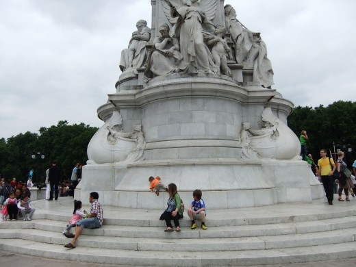 Victoria Memorial - note the three year old in the orange t-shirt making a climb for it!