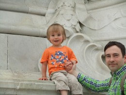 On the Victoria Memorial - and very pleased about it, too!