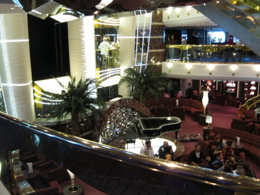 Piano bar on deck 5 of the cruise ship Splendida