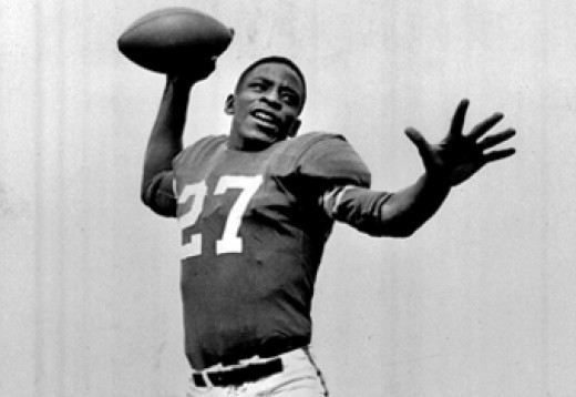 Willie Thrower was the first black player to throw a pass in the NFL.   October 18,1953