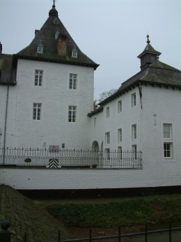 Rijckholt Castle, the tower and the right wing