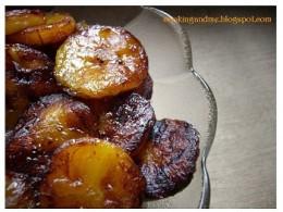 Platanitos fritos (fried sweet bananas) Courtesy of cookingandme