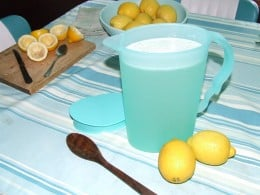 Mix sugar into lemon juice, add filtered water, stir, refrigerate for 1 hour.