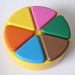 Trivial Pursuit-The Hot Game of the '80's