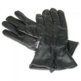 Glove at first sight....