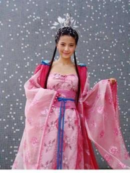 Breast-high skirt of China Tang Dynasty