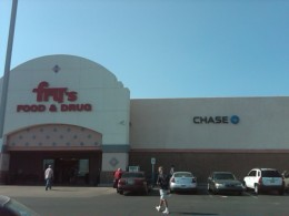 Fry's Supermarket with Chase Bank Branch inside in suburban Tucson, AZ