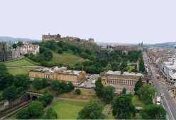 Places to Visit in Edinburgh : The Royal Scottish Academy and The National Gallery