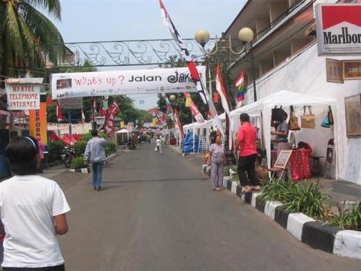 Jaksa Street - Backpacker to Jakarta