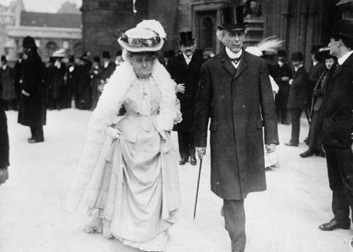 Sir Wilfrid Laurier, and his spouse, Lady Laurier, at the Colonial Conference in London, England, 1907