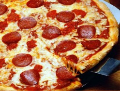 How many slices of pepperoni is ideal on a one-sixth slice of a large pizza?