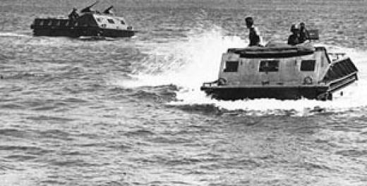 Amphibs coming ashore