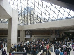 Crowds waiting to enter the Louvre galleries.