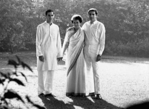 Indira Gangdi and her two sons: Sanjay und Rajiv