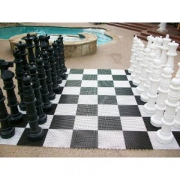 Does this look like the most amazingly fun chess set ever or what?