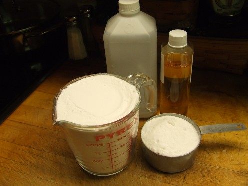 1 1/2 cups Borax and 1 1/2 cups Super Washing Soda. (1-2 oz. alcohol mixed with 1-2 oz. essential oil, Optional.)