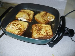 cooking french toast in the electric skillet