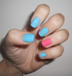 What do you think about the ring finger accent nail polish trend? Have you tried it?