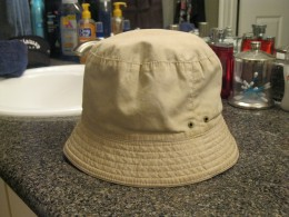 Gap bucket hat