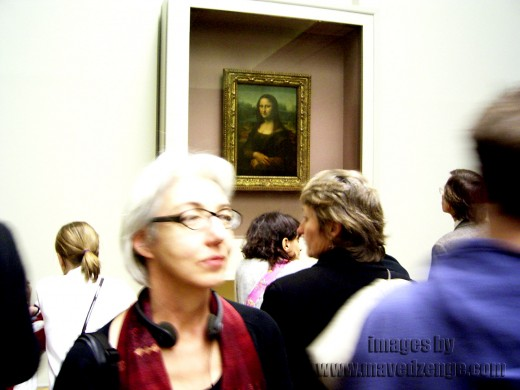 Viewing the Monalisa was a bit of a pain with so many heads popping up infront of me.