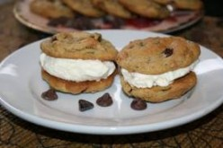 Chocolate Chip Icecream Cookies