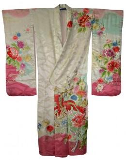Antique wedding kimono from black-samurai.com