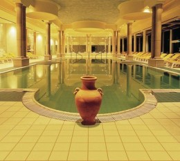 Luxury Spa from jacquelineluxe.com