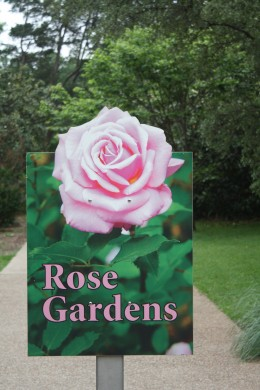 Entrance to the Fort Worth Rose Garden