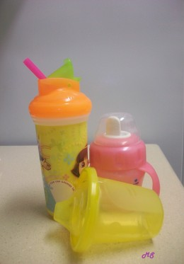 Sippy cups / cup with straw