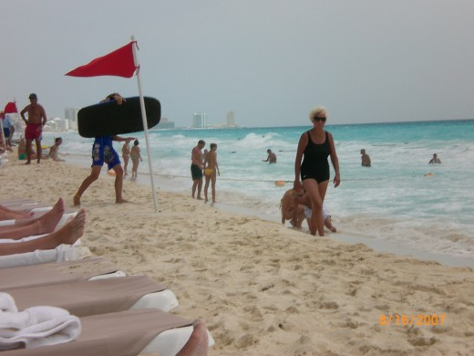 Beachcomb in Cancun Mexico