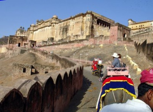 Amber Fort: - Enjoy elephant ride to access the majestic Amber Fort, Jaipur located atop a hill.