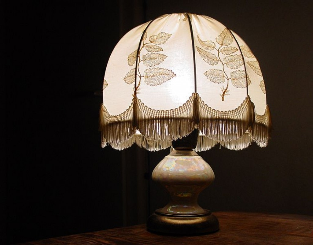 beaded lampshades by beth bulluss decorative beaded. Black Bedroom Furniture Sets. Home Design Ideas