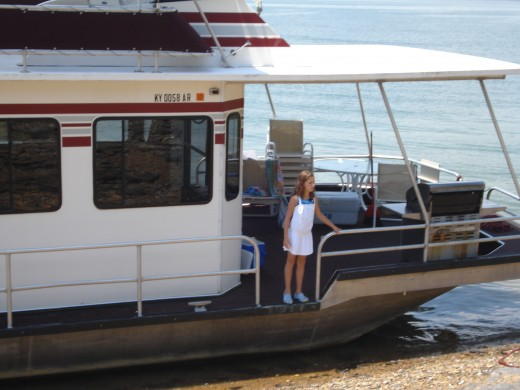 Houseboats can be an exciting family vacation.