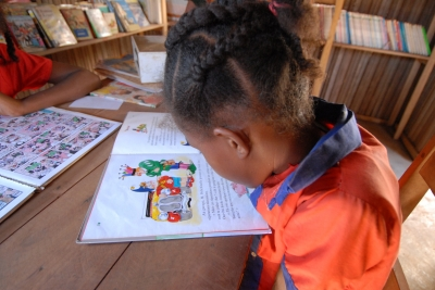Help your child be a better reader by teaching her phonics.