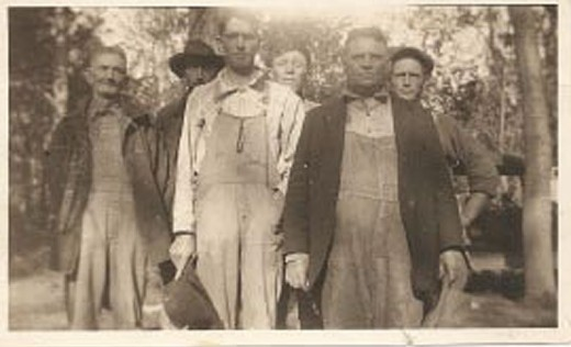 My greatgrandfather, William Malone (Bill) Jackson (far left) along with two of his sons and some friends