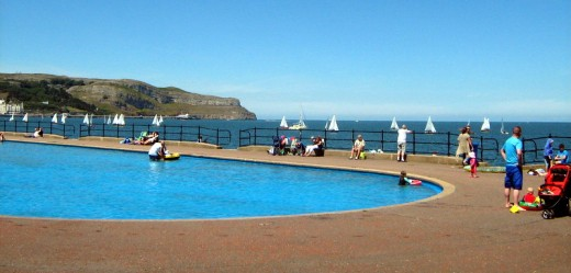 Holidays in llandudno wales uk hotels b and b for North wales hotels with swimming pools