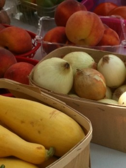 Look for produce that is free of bruises and blemishes.
